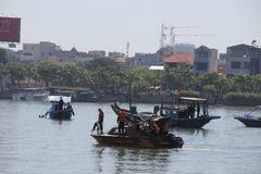 Tiết lộ thông tin chấn động về tàu bị lật trên sông Hàn