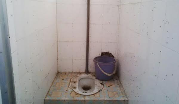 Bộ trưởng Y tế 'tấn công' nhà vệ sinh bệnh viện