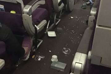 Máy bay Malaysia Airlines lại gặp sự cố, 40 người bị thương