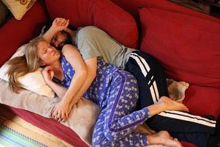 Thuê trai lạ 1,7 triệu ngủ cùng khi vắng chồng