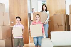 8 việc quan trọng nhất định phải làm trước khi dọn về nhà mới