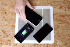 Sạc không dây cho mọi smartphone bằng miếng dán siêu mỏng