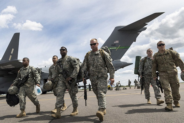 Xem NATO rầm rộ 'giương vây' trước Putin