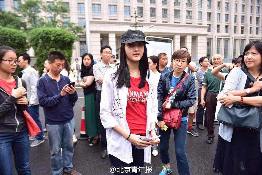 Hành trình thi đại học của 'quốc dân khuê nữ' Trung Quốc