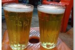 Sự thật loại bia hơi rẻ hơn trà đá: Dân nhậu phát kinh