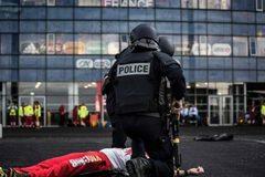 Bắt kẻ âm mưu khủng bố EURO bằng 150kg thuốc nổ