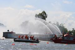 Hơn 500 cảnh sát diễn tập cứu nạn, cứu hộ đường thủy