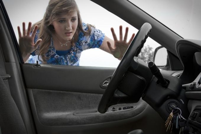 5 nguyên nhân khiến cho cửa xe hơi không khóa được
