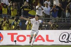 James Rodriguez chói sáng, Colombia đoạt vé tứ kết sớm