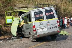 Nổ lốp ô tô: Thảm họa chết chục người