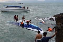 Tàu du lịch đâm nhau, 28 người thương vong