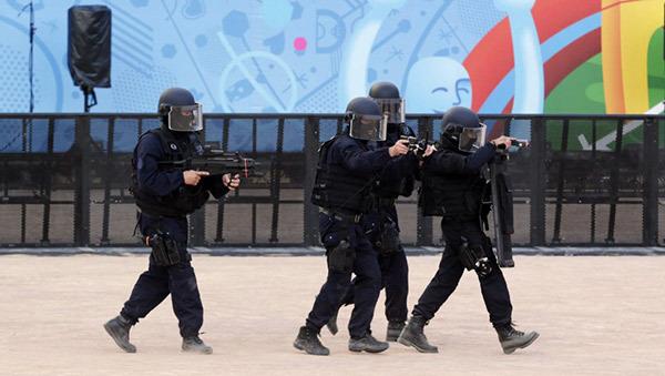 EURO 2016 trước giờ G: Nỗi ám ảnh súng đạn