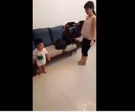 Chiêu dạy con 2 tuổi nói tiếng Anh vanh vách của bà mẹ siêu bận rộn