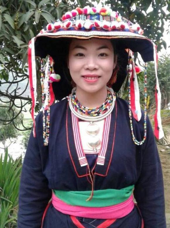 ĐBQH trẻ nhất là cô nông dân xinh đẹp người Dao
