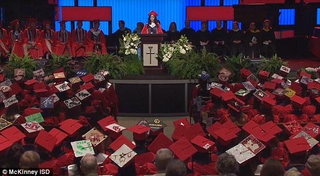 nhập cư bất hợp pháp, học bổng ĐH Yale, phát biểu tốt nghiệp
