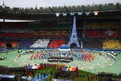 Toàn cảnh lễ khai mạc EURO 2016 đầy màu sắc
