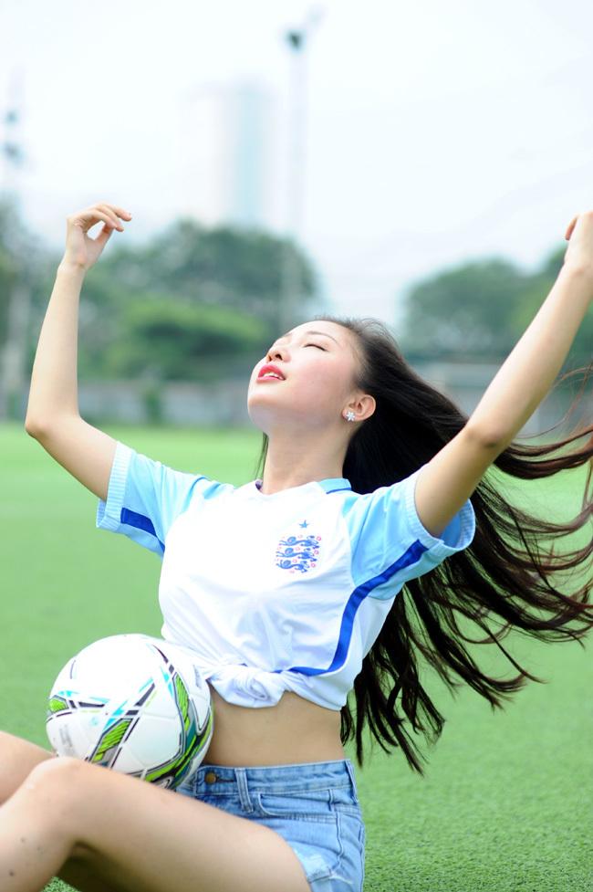 Euro 2016, Vũ Nguyễn Bích Ngọc, đội tuyển Anh, Rooney, Học viện Báo chí Tuyên truyền, Người đẹp Hạ Long
