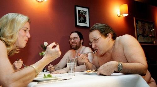 nhà hàng khỏa thân, khỏa thân