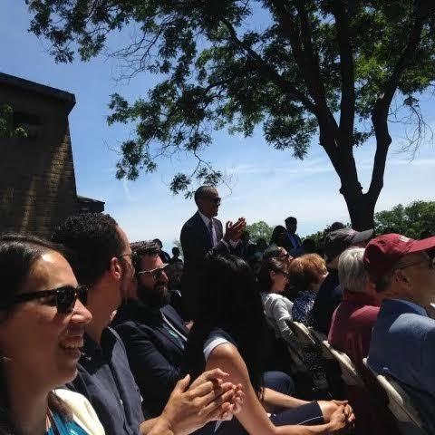 Obama lặng lẽ dự lễ tốt nghiệp của con gái