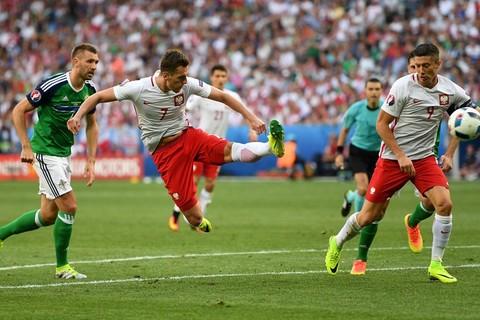 Video bàn thắng Ba Lan 1-0 Bắc Ireland
