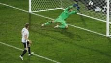 Đức thắng hú vía Ukraine trận ra quân EURO