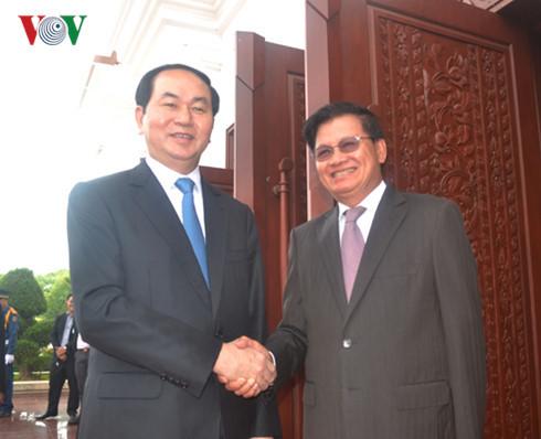 Chủ tịch nước hội kiến Thủ tướng và Chủ tịch Quốc hội Lào