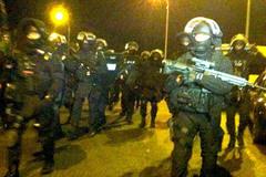 Chiến binh IS đâm điên cuồng cảnh sát Pháp