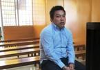 Bắt kẻ chuyên giả cảnh sát, trấn lột du khách ở Sài Gòn