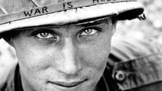 Thông điệp phản chiến trên mũ lính Mỹ tham chiến ở VN