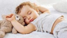 Dùng điều hòa cho trẻ nhỏ thế nào để tránh đột tử?