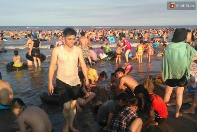 Nắng nóng, biển Sầm Sơn, Thanh Hóa, giải nhiệt, du khách, thời tiết