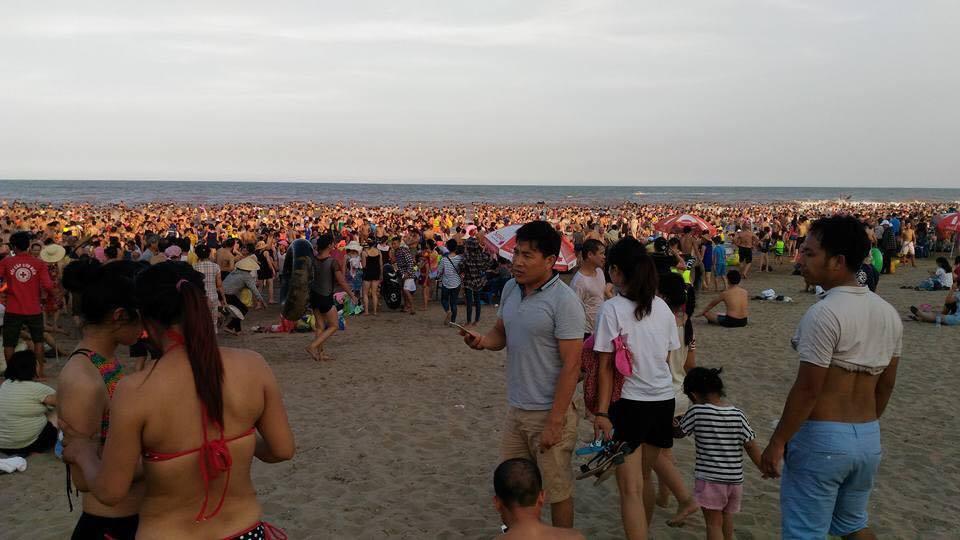 Sầm Sơn, biển, đông, du khách, nắng nóng, du lịch