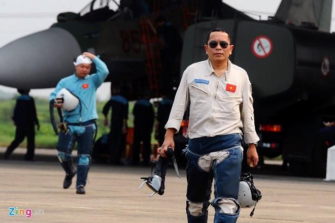 Phi công Su-30 thoát nạn lập tức tham gia tìm đồng đội