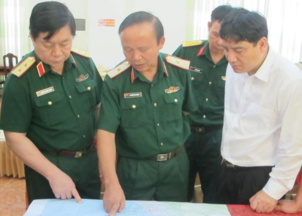 Gần 100 tàu thuyền tìm phi công Trần Quang Khải và Su-30