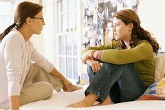 Làm gì để con tránh bị xâm hại tình dục ở tuổi dậy thì?
