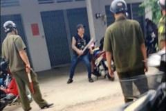 Khống chế kẻ cầm dao chém người điên cuồng ở Sài Gòn