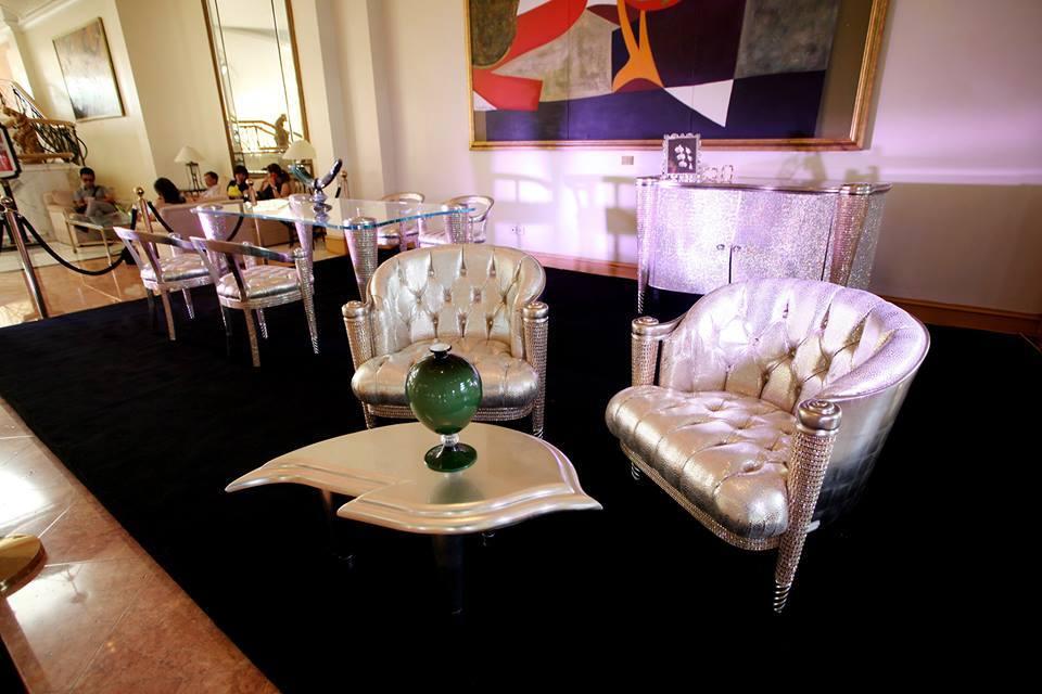 nội thất Ý, tủ phòng trà, bàn đá khổng tước, Swarovski, michael jackson