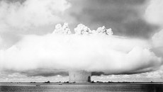 Bí ẩn quốc đảo bị Mỹ thả 67 quả bom hạt nhân