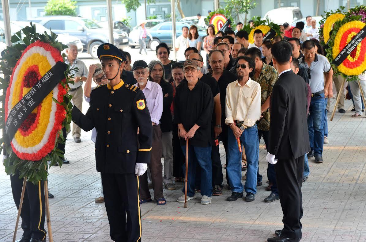 Nhiều nghệ sỹ nổi tiếng tiễn biệt danh họa Nguyễn Tư Nghiêm