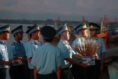 Phi công Trần Quang Khải đã được đưa vào bờ