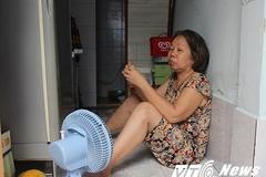Cơ cực dân nghèo sống trong nhà 5m2 ở Sài Gòn