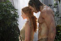 'Tarzan 6 múi' tung trailer mãn nhãn