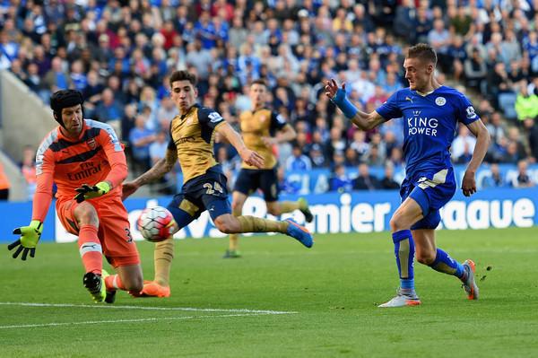 Wenger cay đắng: Vardy sẽ không về Arsenal!