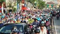 Xe container gây náo loạn đường phố, trung tâm Sài Gòn kẹt cứng
