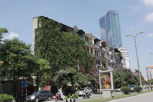 """Những ngôi nhà """"siêu kỳ dị"""" giữa Thủ đô"""