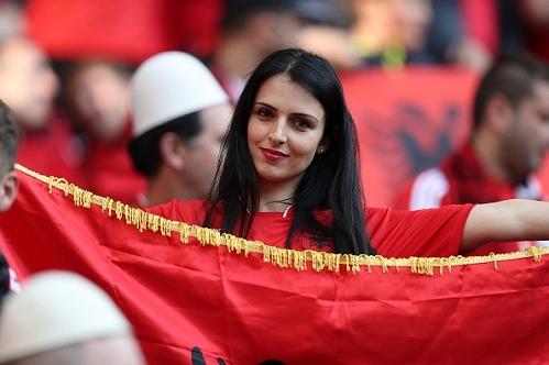 Fan nữ Albania, nữ CĐV Albania, Albania, Romania, Albania vs Romania