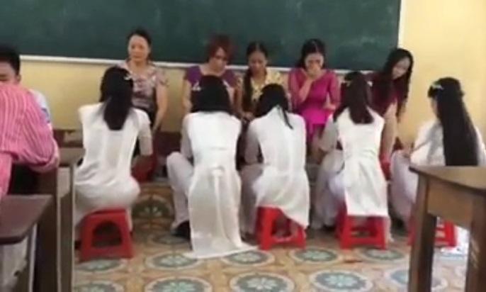 học trò rửa chân cho mẹ, rửa chân cho cô giáo, THPT Bắc Đông Quan