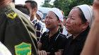 Nước mắt tuôn rơi đón phi công Trần Quang Khải về quê mẹ