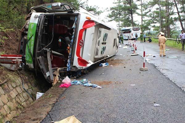 Làm gì khi xe ô tô mất phanh khi đổ đèo?