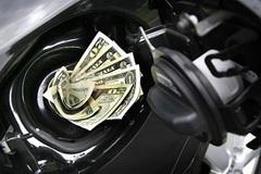 Mẹo tiết kiệm xăng tối đa khi đi xe máy